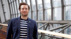 an Philipp Albrecht ist Europaabgeordneter der Grünen und Verhandlungsführer des Europäischen Parlaments für die neue EU-Datenschutzgrundverordnung. Nach dem Studium der Rechtswissenschaften spezialisierte er sich auf IT-Recht. Albrecht war maßgeblich an der Zurückweisung des Handelsabkommens ACTA und der Untersuchung zur NSA-Affäre im Europäischen Parlament beteiligt.