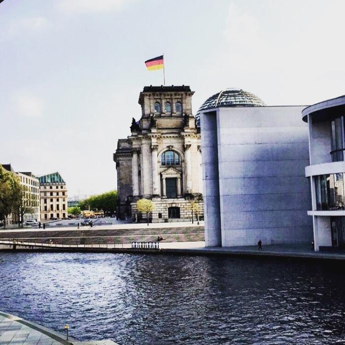 Einmal durchs Zentrum der Berliner Machtschnaufen